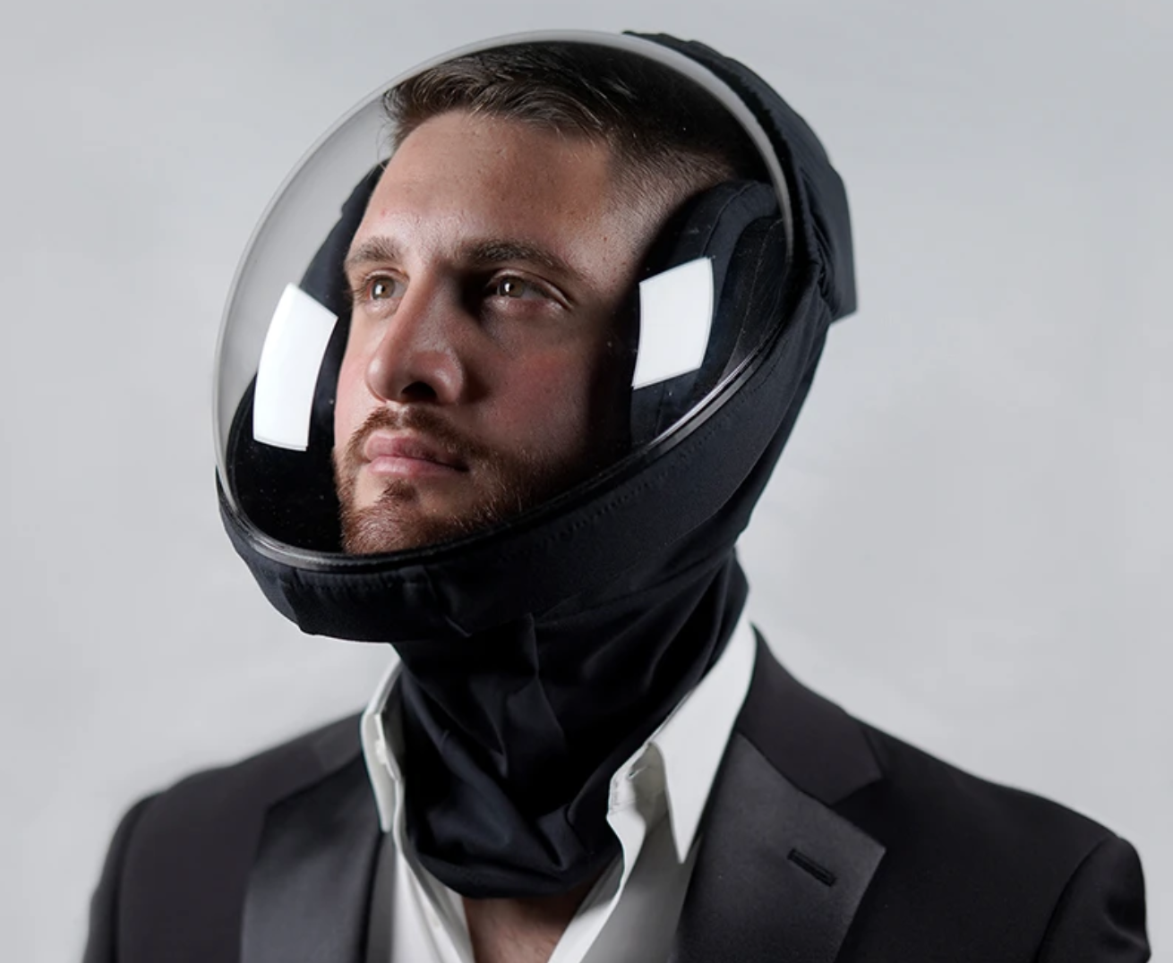 This Helmet Creates a Microclimate Around your Head
