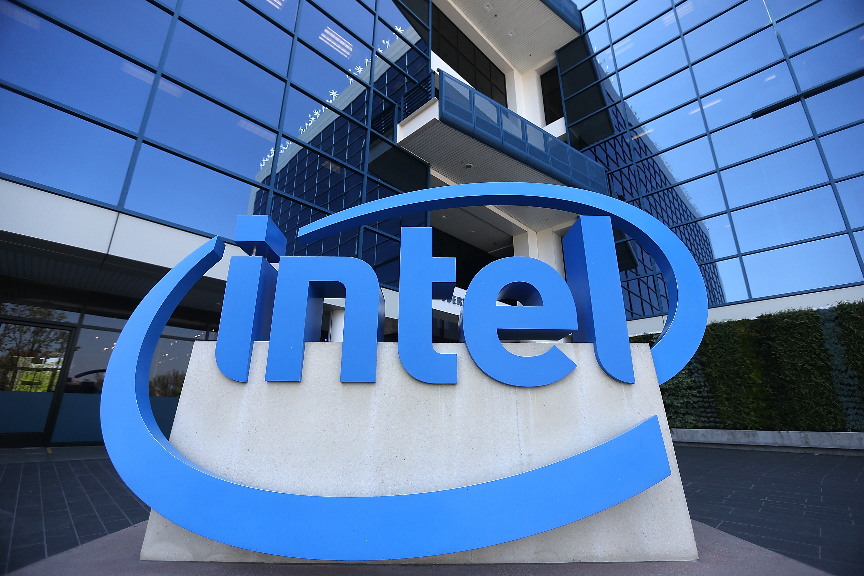 Intel Changes CEOs