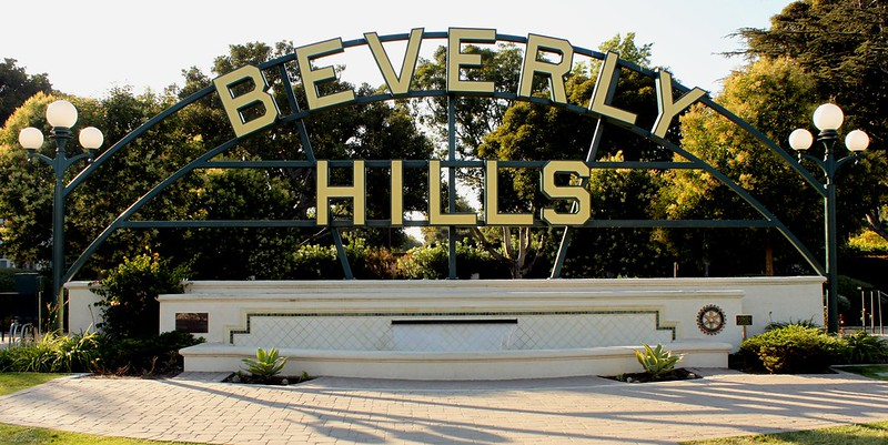 """The Peninsula claims a former employee fed secrets to Waldorf's GM  """"Beverly HIlls""""(CC BY 2.0)byPrayitno / Thank you for (12 millions +) view"""