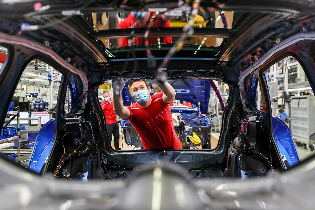 Detroit's Big Three Automakers Resume U.S. Production